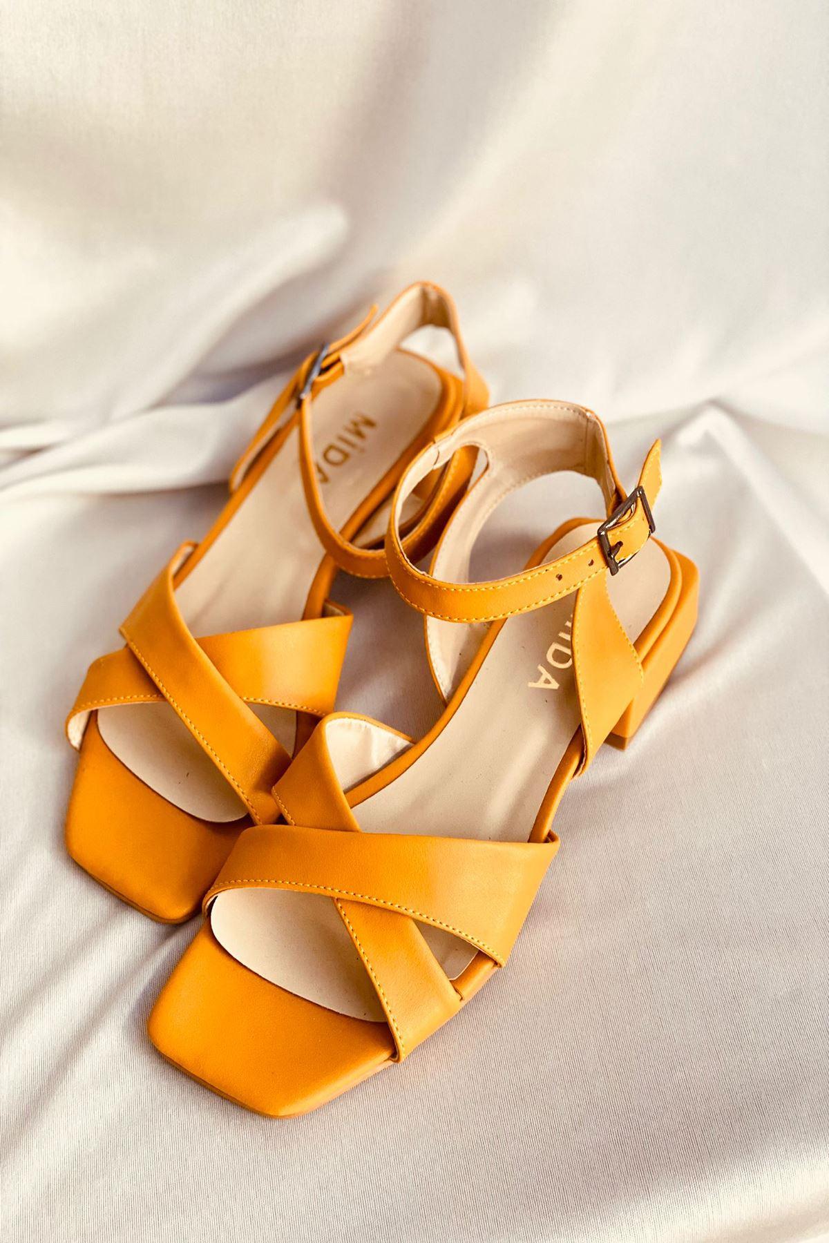 Y400 Hardal Deri Sandalet