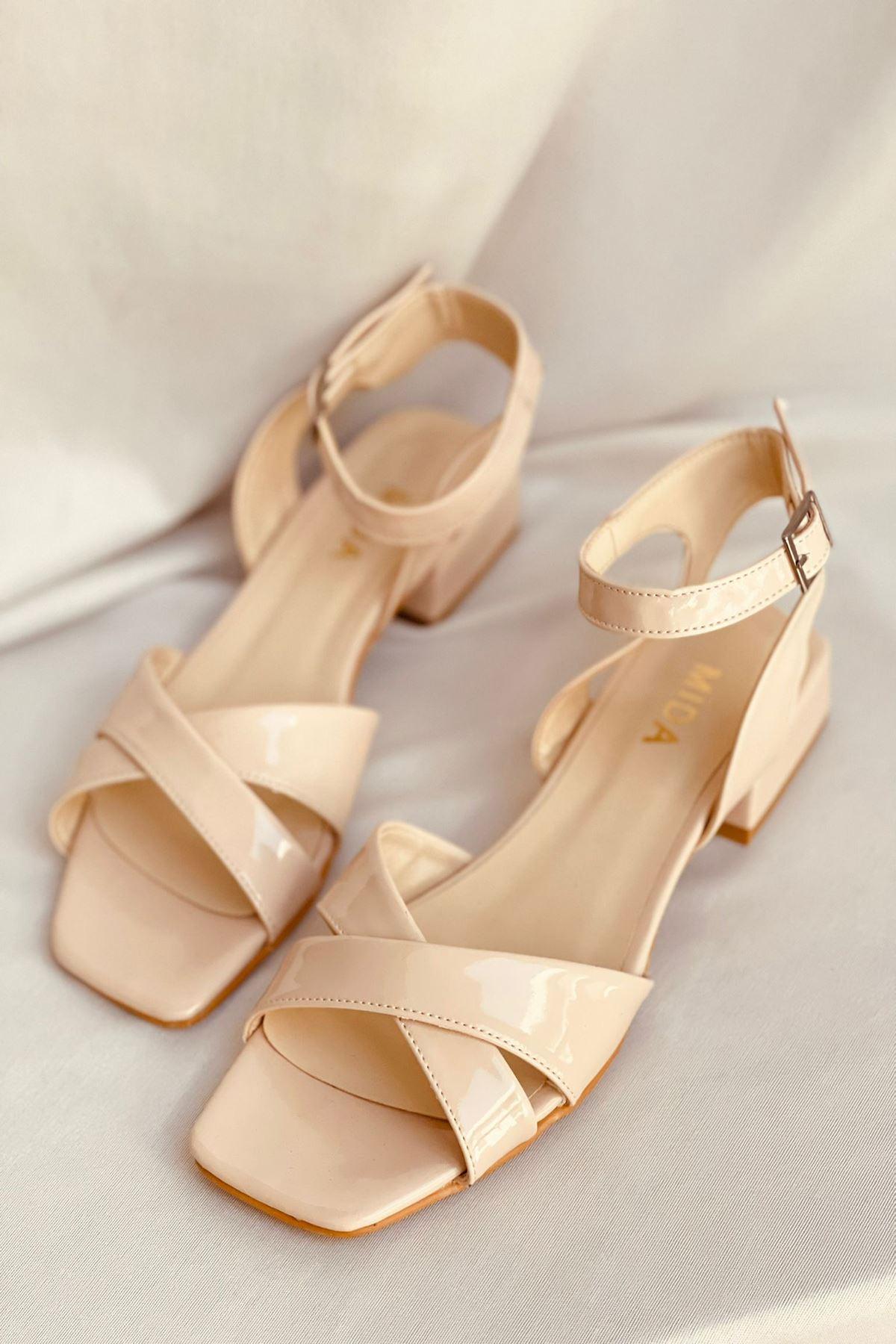 Y400 Ten Rugan Sandalet