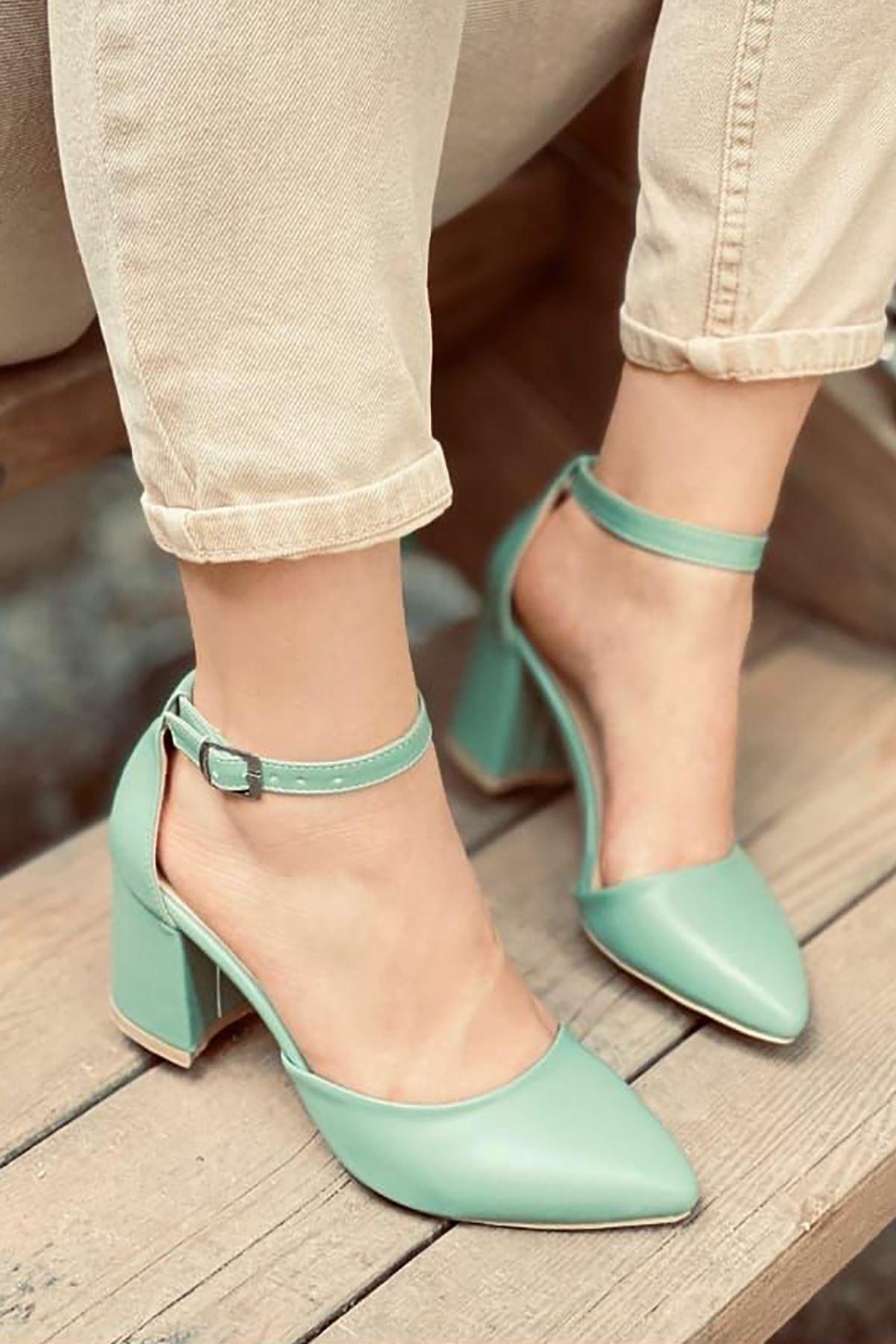 Y102 Mint Yeşili Deri Topuklu Ayakkabı