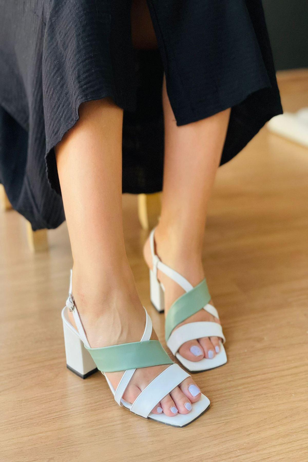 Y925 Beyaz Deri Topuklu Ayakkabı