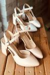 Y104 Ten Deri Topuklu Ayakkabı