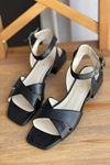 Y400 Siyah Deri Sandalet